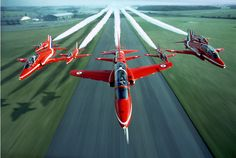 Red Arrows in awesome flight