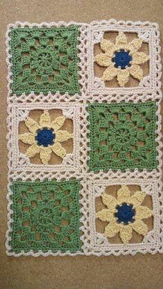 200가지 꽃 모티브 이불만들기 참고 : 네이버 블로그 Crochet Square Patterns, Crochet Motifs, Crochet Blocks, Crochet Squares, Thread Crochet, Crochet Granny, Crochet Doilies, Crochet Potholders, Knitted Flowers
