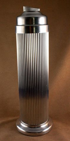 Art Deco Machine Age Aluminum Eezee Pour Emson Cocktail Shaker Streamlined