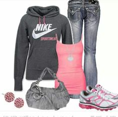 Comfy Nike outfit sub in normal jeans