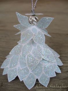 Christmas-Craft idea-This Fabulous Flower Angel is one of the best handmade Christmas ornaments I have seen yet! Angel crafts are so much fun. Homemade Ornaments, Diy Christmas Ornaments, Homemade Christmas, Crochet Ornaments, Crochet Snowflakes, Crochet Christmas, Christmas Poinsettia, Angel Crafts, Christmas Projects