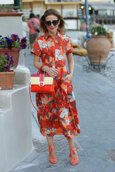 Ferragosto Last Minute and chemisier floral dress Fashion 101, Fashion Looks, Womens Fashion, Modest Outfits, Cool Outfits, Skirt Fashion, Fashion Dresses, Beautiful Summer Dresses, Special Occasion Outfits