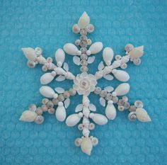 Seashell Ornament Holiday Snowflake Window Wall by OceansofShells Seashell Christmas Ornaments, Nautical Christmas, Tropical Christmas, Beach Christmas, Christmas Decorations, Xmas, Seashell Art, Seashell Crafts, Beach Crafts