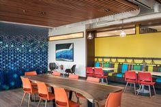 https://officesnapshots.com/wp-content/uploads/2017/11/kings_hawaiian_offices_torrance_philpotts_interiors_6-1200x800.jpg