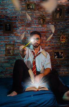 30+ Harry Potter fotos · Pexels · Fotos profissionais gratuitas Photo Harry Potter, Hp Harry Potter, Harry Potter Cosplay, Ritual Magic, Creative Photoshoot Ideas, Desenhos Harry Potter, Creative Photography, Free Photography, Photo Manipulation