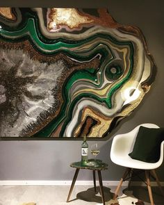 REPOST Sorry guys, I am in London right now and can't show u photos of my new black&white geode table. But I promise w… – resin crafts Epoxy Resin Art, Resin Glue, Resin Artwork, Resin Wall Art, Resin Paintings, Resin Table, Wall Patterns, Resin Crafts, Wooden Crafts