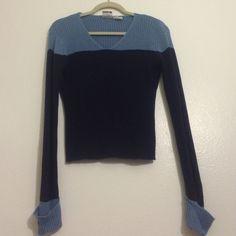 V neck blue ribbed sweater GOOD CONDITION Arizona Jean Company Sweaters