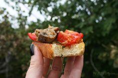 Vegan Tomato and Mushroom Bruschetta – MEZE THEORY