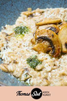 Prepare the mushroom risotto step by step - Today I'm going to show you my mush. Greek Diet, Stuffed Mushrooms, Stuffed Peppers, Fettuccine Alfredo, Veggie Dishes, Greek Recipes, Tortellini, Tex Mex, Gourmet