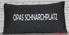 Kissen für Opa...  Das Kissen ist aus anthrazit-grauem Jersey genäht,  hat die Maße ca. 20 cm x 40 cm und ist geschlossen,  waschbar bei 30 Grad Feinwäsche.   **Herstellungsart** 100%...