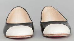#MarqueFrançaise : chaussons, ballerines et chaussures de danse « made in France » :  http://www.lafabriquehexagonale.com/2016/09/opera-national-de-paris-chaussons-ballerines-et-chaussures-de-danse-made-in-france/