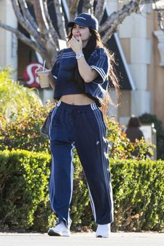 Kylie Jenner Outfits – Page 4497460227 – Lady Dress Designs Kendall Jenner Bikini, Kylie Jenner Workout, Kendall Jenner Outfits, Kendall And Kylie Jenner, Outfits Mujer, Sporty Outfits, Chic Outfits, Fashion Outfits, Kardashian