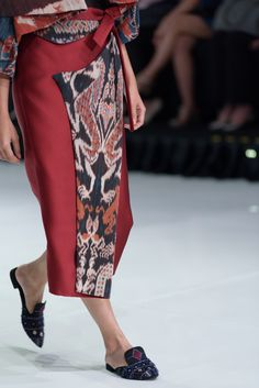 Blouse Batik, Batik Dress, Batik Fashion, Ethnic Fashion, Fashion Wear, Fashion Dresses, Fashion Forever, Dress Skirt, Dress Shoes