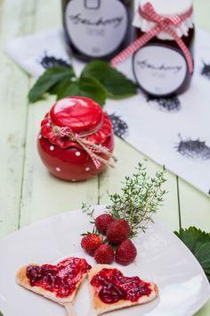 Selbstgemachte Erdbeermarmelade - Strawberry & Thyme