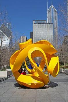 Public Art in Chicago: Millennium Park [Interconnected - Sculptures of Yvonne Domenge] Art Sculpture, Outdoor Sculpture, Outdoor Art, Abstract Sculpture, Metal Sculptures, Bronze Sculpture, Contemporary Sculpture, Contemporary Art, Art Public
