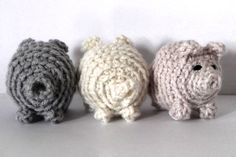 they are so cute little crochet pigs inspired by the three little pigs!