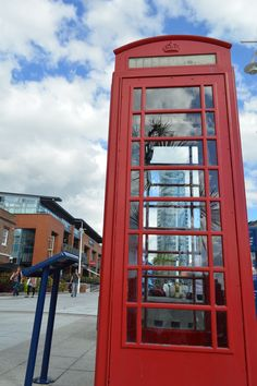 I captured the Lipstick Tower inside the Telephone box