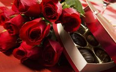 Beautiful Romantic Wallpaper with Roses and Chocolates