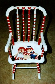 My dad handpainted Raggedy Ann & Andy. This was the theme in my room when I was a baby/toddler. Painted Kids Chairs, Painted Rocking Chairs, Childrens Rocking Chairs, Hand Painted Furniture, Funky Furniture, Recycled Furniture, Paint Furniture, Furniture Makeover, Disney Furniture