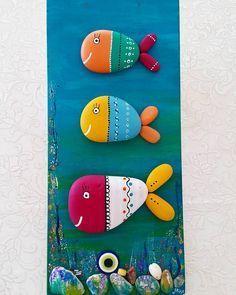 Elimde haz r ebat nda vernik yap lacak isteyen mesajla ula abilir Pebble Painting, Pebble Art, Stone Painting, Stone Crafts, Rock Crafts, Diy And Crafts, Seashell Crafts, Beach Crafts, Rock And Pebbles