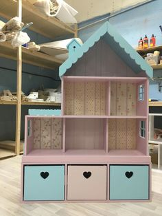 Dollhouse shelf for 6 rooms with a narrow chest of drawers. Dollhouse shelf for 6 rooms with a narrow chest of drawers.