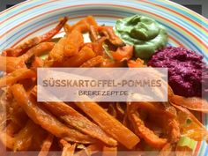 Süßkartoffel Pommes im Backofen selber machen auch fürs Baby Sweet potato fries are a delicious alternative to traditional potato fries. Recipe with coconut oil + starch, which is also suitable for th Making Sweet Potato Fries, Sweet Potato Baby Food, Sweet Potato Chips, Potato Recipes, Baby Food Recipes, Meat Recipes, Baby Food Storage, Fries In The Oven, Fries Oven