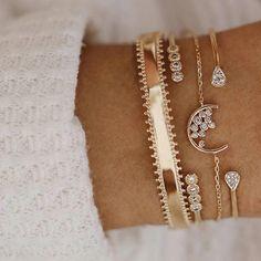 30 Styles Mix Lotus Shell Turtle Heart Wave LOVE Crystal Marble Stone Bracelets for Women Boho Tassel Bracelet Jewelry Wholesale Tassel Bracelet, Shell Bracelet, Stone Bracelet, Bracelet Set, Arrow Bracelet, Heart Bracelet, Jewelry Party, Jewelry Gifts, Jewelry Accessories