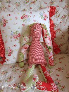 New Bunny by *ShabbyRosesCottage* Felt Fabric, Fabric Dolls, Fabric Art, Fabric Crafts, Tilda Toy, Sewing Dolls, Spring Crafts, Softies, Handmade Toys