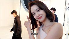 융-하인드 | 이제서야 말합니다. 윤아의 눈물 한 방울😢 | 에스티로더 광고 촬영 현장 - YouTube Yoona, Snsd, Kpop, Girls Generation