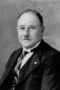 Gerard Fleischeuer (Oirsbeek, 25 februari 1889 - Dachau, 29 maart 1945) was gemeentesecretaris van de voormalige gemeente Oirsbeek. Hij sloot zich aan bij het verzet en stelde zijn huis open als onderduikadres voor Joden. Waarschijnlijk als gevolg van verraad werden 10 bij hem ondergedoken Joden op 6 november 1943 door de SS opgepakt en afgevoerd. Ook Fleischeuer werd gearresteerd. Hij overleed in het concentratiekamp Dachau. Van de opgepakte Joden is nooit meer iets vernomen.