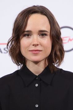 Ellen Page Just Revealed That She Secretly Married Emma Portner Page Haircut, Pretty People, Beautiful People, Secretly Married, Aesthetic Women, Wedding News, Hollywood Celebrities, Lgbt Celebrities, Girl Crushes