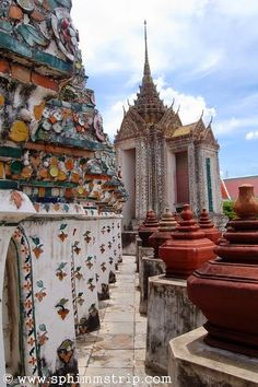 Wat Arun - Bangkok - Thailandia http://www.sphimmstrip.com/2014/04/wat-arun-la-perla-candida-di-bangkok-thailandia.html?m=1