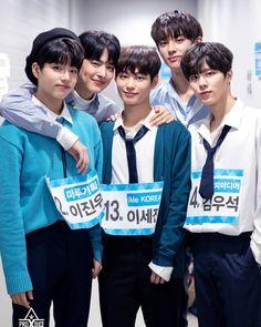 "PRODUCE X 101 KIM MINGYU di Instagram ""mingyu is so tall oof he's always a head taller 😯 — 190617 - pdx101 ig update. ❘ © ig — #김민규#KIMMINKYU #민규 #MINKYU #프로듀스X101 #PRODUCEX101…"" My Youth, Produce 101, Kim Min, Mingyu, Handsome Boys, Jinyoung, Cute Boys, Boy Groups, Rapper"