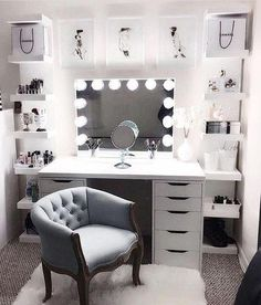 Large DIY Makeup Room Ideas, Organizer, Storage and Decoration ( Room Idea) - Makeup Room Ideas - - Dekoration Ideen - Beauty Room Vanity Room, Vanity In Closet, Closet Desk, Closet Bedroom, Glam Room, Bedroom Decor Glam, Bedroom Furniture, Bedroom Bed, Furniture Design
