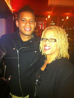 Sharon with Chef Roble in NYC.  I'm embarrassed to say that at the time I didn't know who Chef Roble was because I wasn't watching tv much back then.  It's not until I got home and told my daughter what I did that night then she told me who he was. I figured he was someone special just from the people we were around that night.  Thanks for taking a picture with me.   I hope you enjoyed the gourmet teas I gave you.  Belgian Chocolate Pleasure, Blue Mango Paradise and a few others.