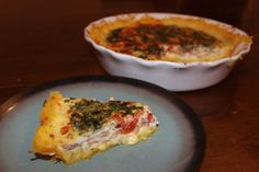 Is  this Bacon, Cherry Tomato, Basil and Egg Quiche ith a Spaghetti Squash Crust not the prettiest breakfast quiche you have ever seen?  #21dsd #breakfast