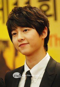 Beautiful Songs, Love Songs, Descendants, Song Joong Ki Cute, Running Man Cast, Soon Joong Ki, Deep Rooted Tree, Only Song, Baby Songs