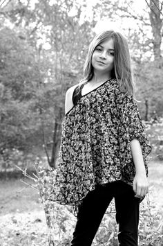 Black and white photography of a girl.