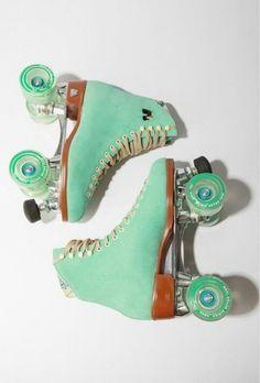 Mint roller skates