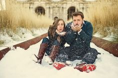 Ideas for Holiday Engagement Photo Session Winter Couple Pictures, Winter Engagement Pictures, Wedding Pictures, Country Engagement, Engagement Couple, Engagement Shoots, Engagment Poses, Fall Engagement, Engagement Ideas