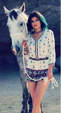Kylie Jenner Kylie Jenner Hair, Kendall And Kylie Jenner, Kardashian Jenner, Fashion Line, Women's Fashion, Horse Girl, Pretty People, Hot Girls, Celebrity Style