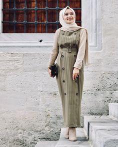 Şüheda Türkoğlu: Say something nice to me let my heart stay in and out Muslim Fashion, Modest Fashion, Hijab Fashion, Hijab Dress, Hijab Outfit, Maxi Dresses, Muslim Girls, Muslim Women, Modele Hijab