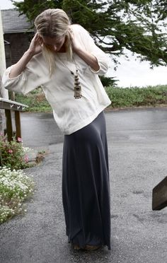 I love the leopard shoes with this otherwise simple outfit.. so boho chic