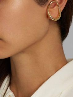 Fresh skin and minimal details