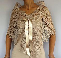 Capa de encaje Beige crudo: Trajes de novia superior