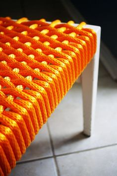 Love this idea, bright rope + bench frame.