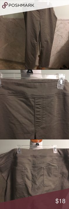 """Style & Co. Pull On Stretchy Pants/Jeggings 24W These are really comfortable pull on pants. They have all the style of casual pants without the button and zipper. They are made of cotton, polyester, and spandex. Inseam is 28"""". Style & Co Pants"""