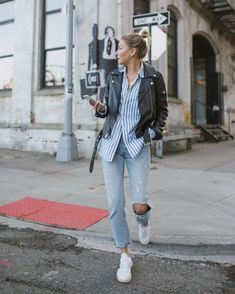 Excited to order in something fried and watch the super bowl commercials. Black Leather Jacket Outfit, Biker Jacket Outfit, Veja V 10, Smart Casual Women, Cool Outfits, Casual Outfits, Italy Outfits, Vogue Fashion, Fall Winter Outfits