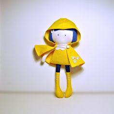 My Teeny Tiny Doll Caroline par CookYouSomeNoodles sur Etsy Tilda Toy, Homemade Dolls, Handmade Soft Toys, Tiny Dolls, Bear Doll, Sewing Toys, Fabric Dolls, Softies, Felt Crafts