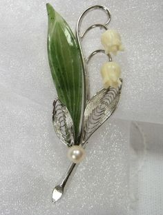 WELLS lily of the valley sterling silver jade ivory brooch pin (68$)
